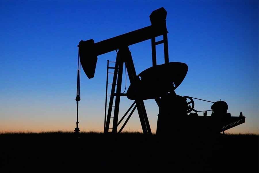 puit pétrole nuit